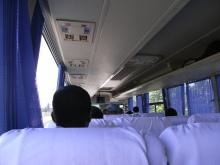 エクセルマクロ達人養成塾塾長ブログ-バスの中はこんな感じ。